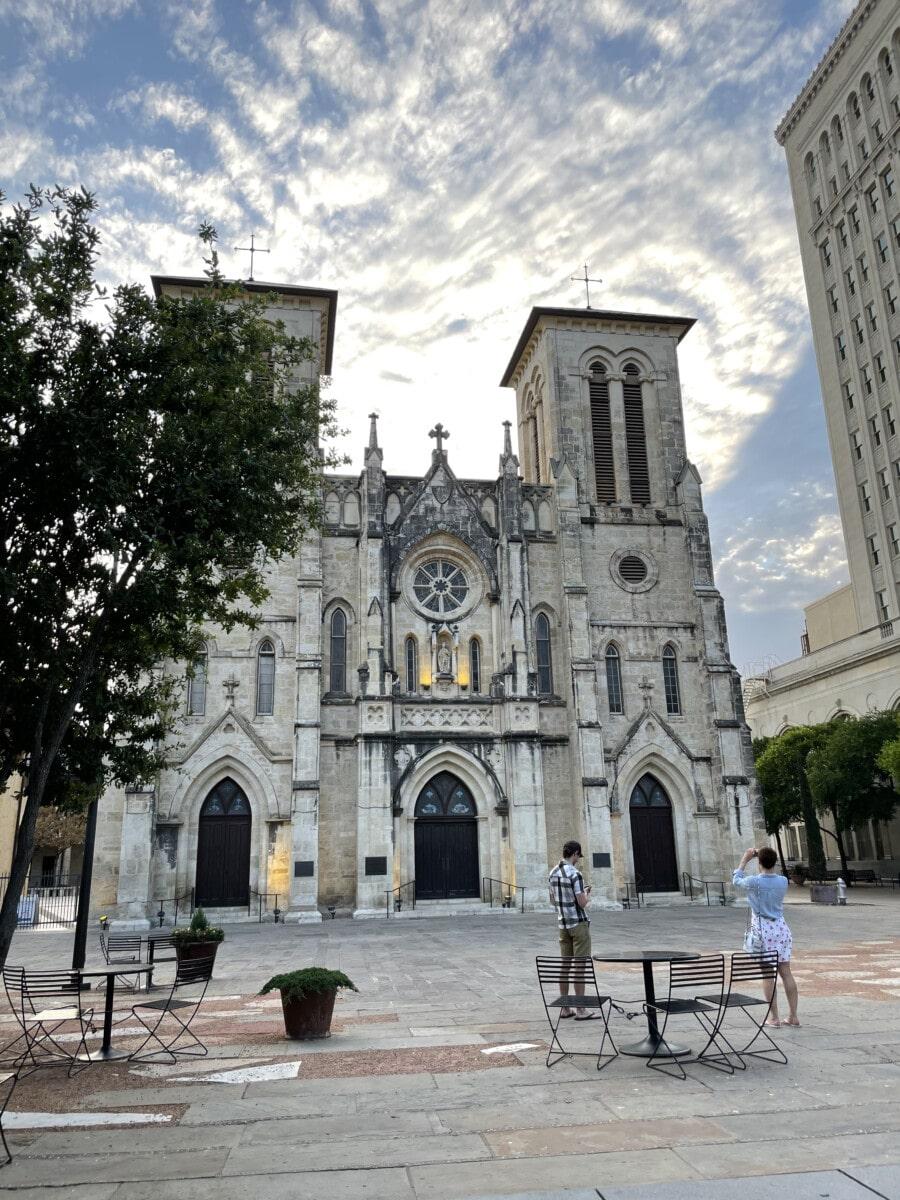 Cathedral San Fernando, Plaza de las Islas - San Antonio culture