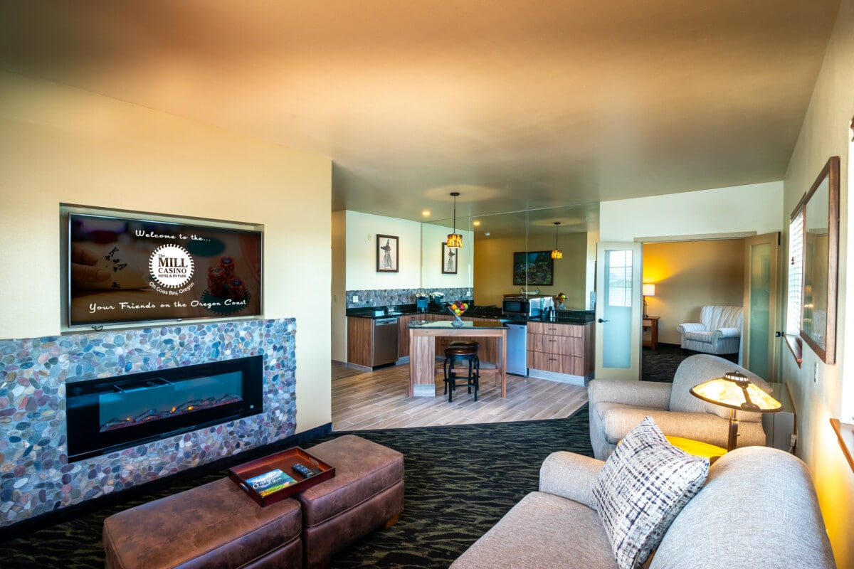 Room at Mill Creek Hotel and RV Park Coos Bay Oregon