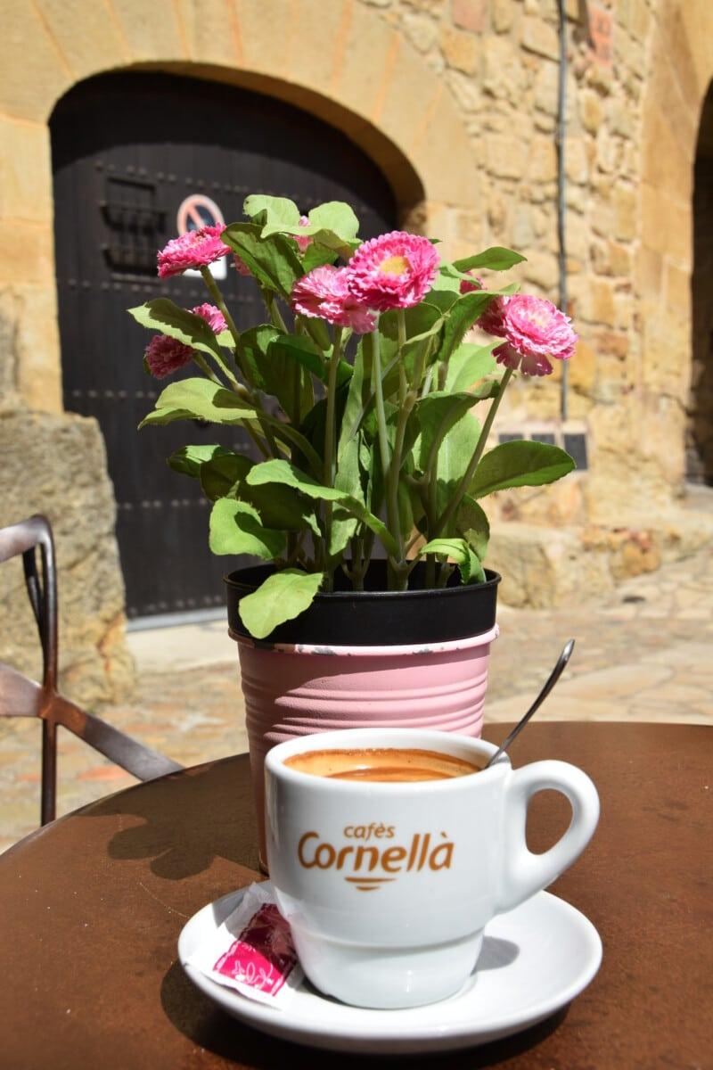 Exploring Catalonia - coffee shop in Pals