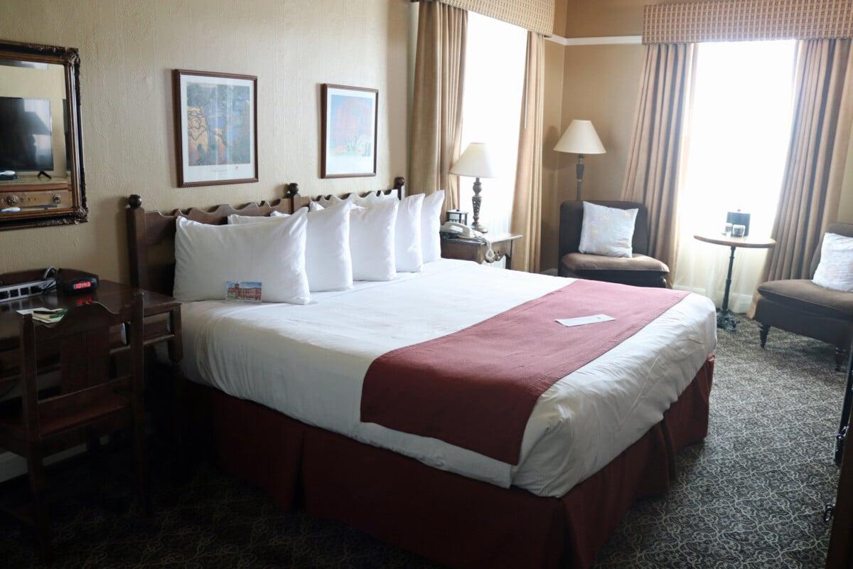 Hassayampa Inn Room